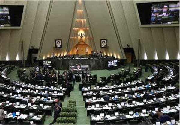 یکصدوبیستوپنجمین جلسه علنی مجلس با ۸۴ صندلی خالی آغاز شد